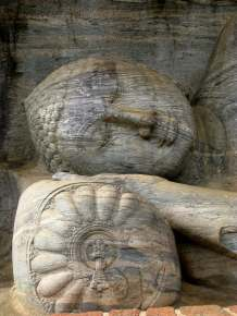 Reclining Buddha - Polonnaruva