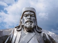 Chinngis Khaan Statue